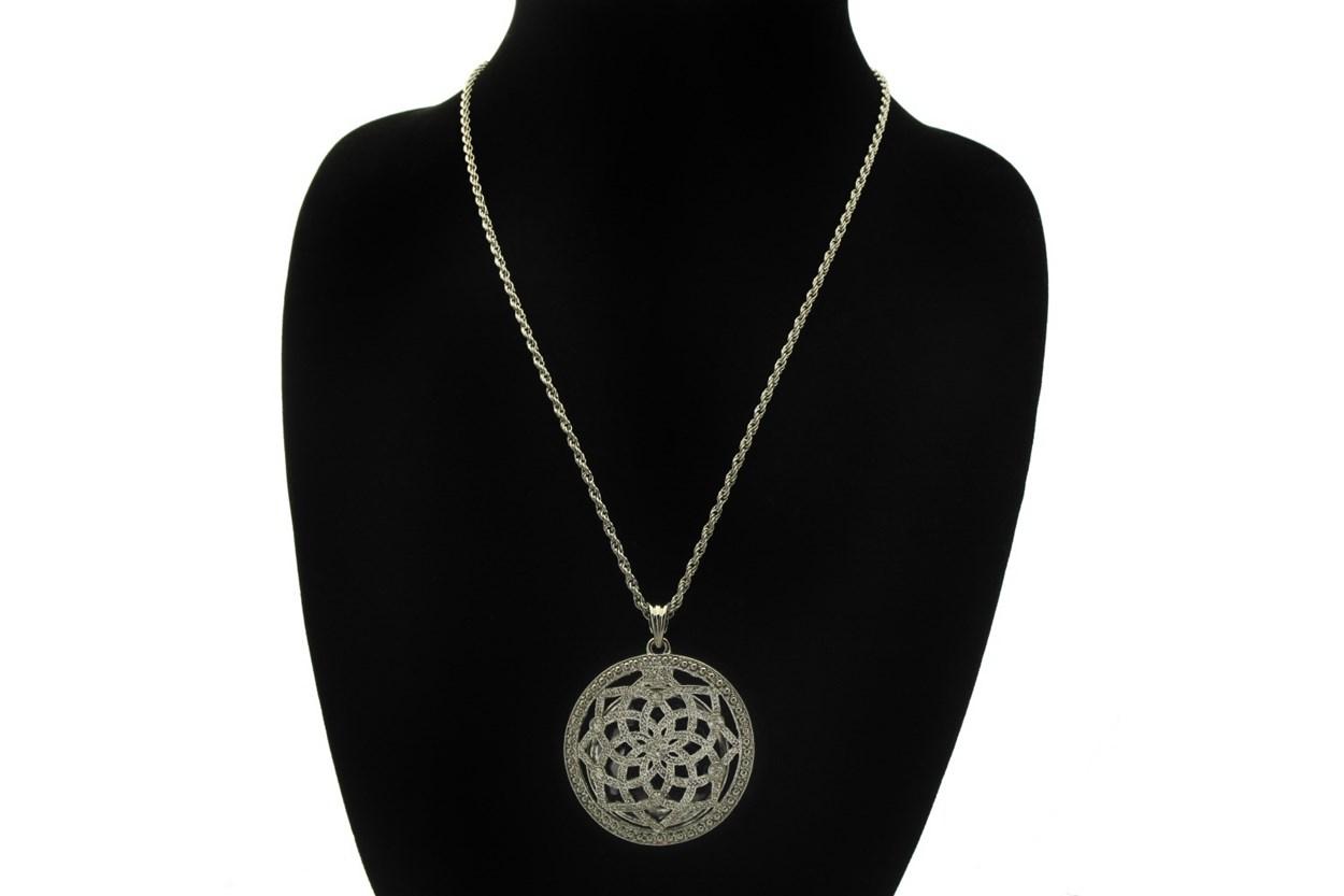 Alternate Image 1 - I Heart Eyewear Lotus Magnifier Necklace  GlassesChainsStraps