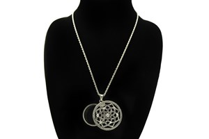 Click to swap image to I Heart Eyewear Lotus Magnifier Necklace
