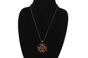 Click to swap image to I Heart Eyewear Whimsy Magnifier Necklace