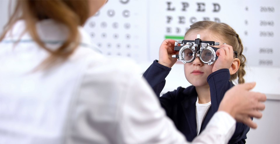 Kids at the eye doctor